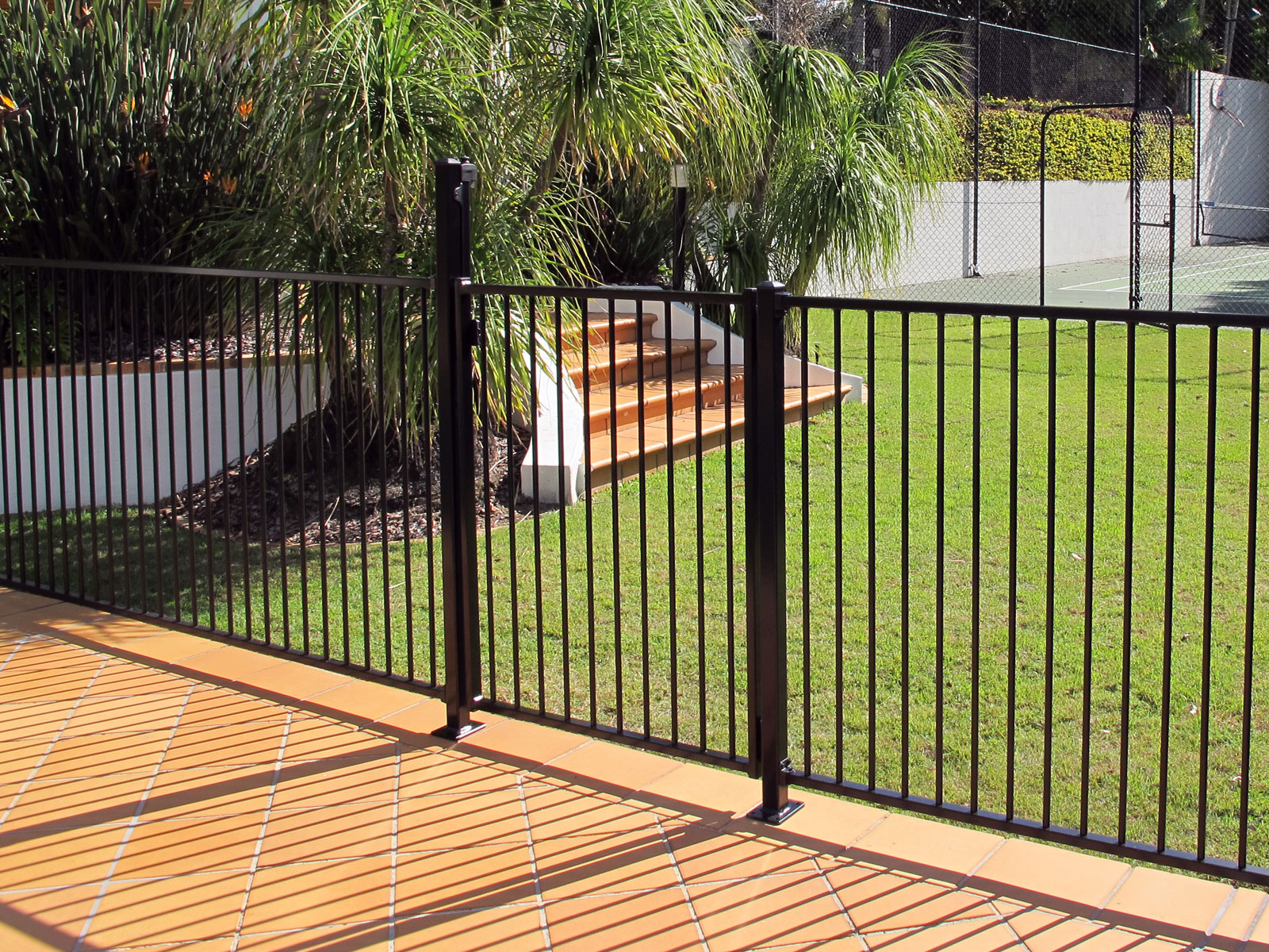 Aluminium Pool Fencing Gate Black