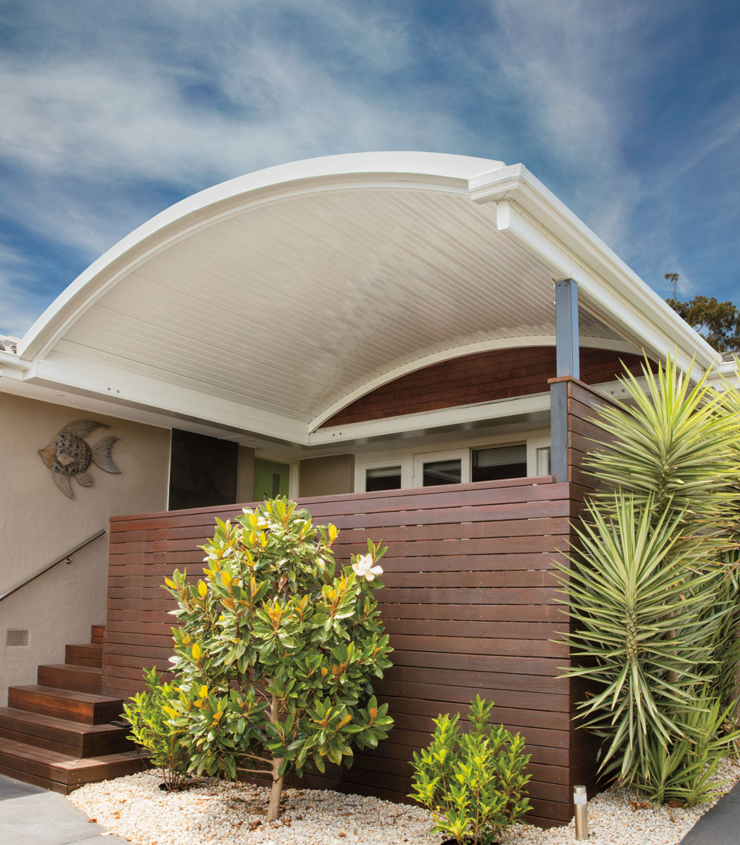 Outback Curved Stratco