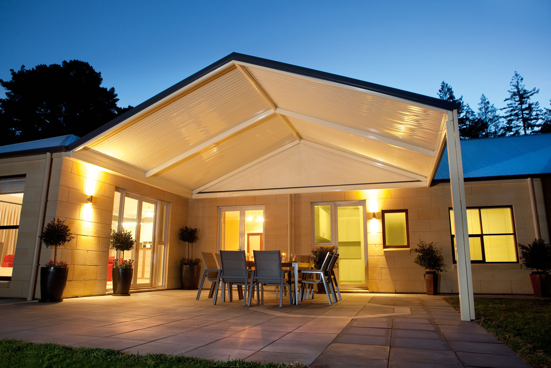 enjoy outdoor living with the wide range of verandah patio carport and pergola solutions offered by the stratco outback attractive high quality patios